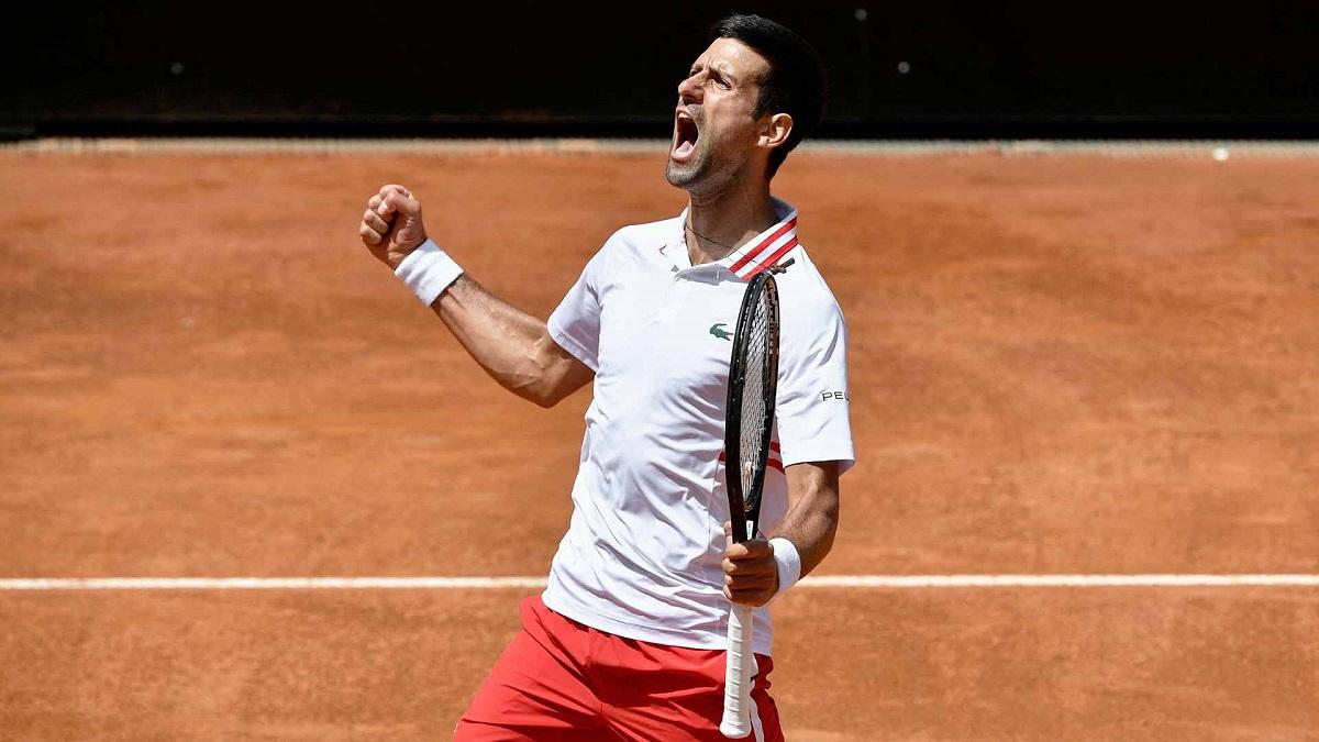 Djokovic thắng trận thứ tư liên tiếp trước Tsitsipas. Ảnh: ATP.