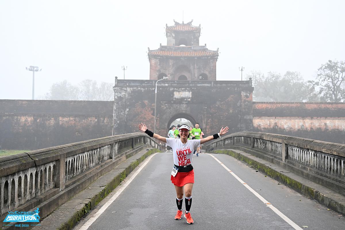 Runner tham gia VM Huế 2020. Ảnh: VnExpress Marathon.