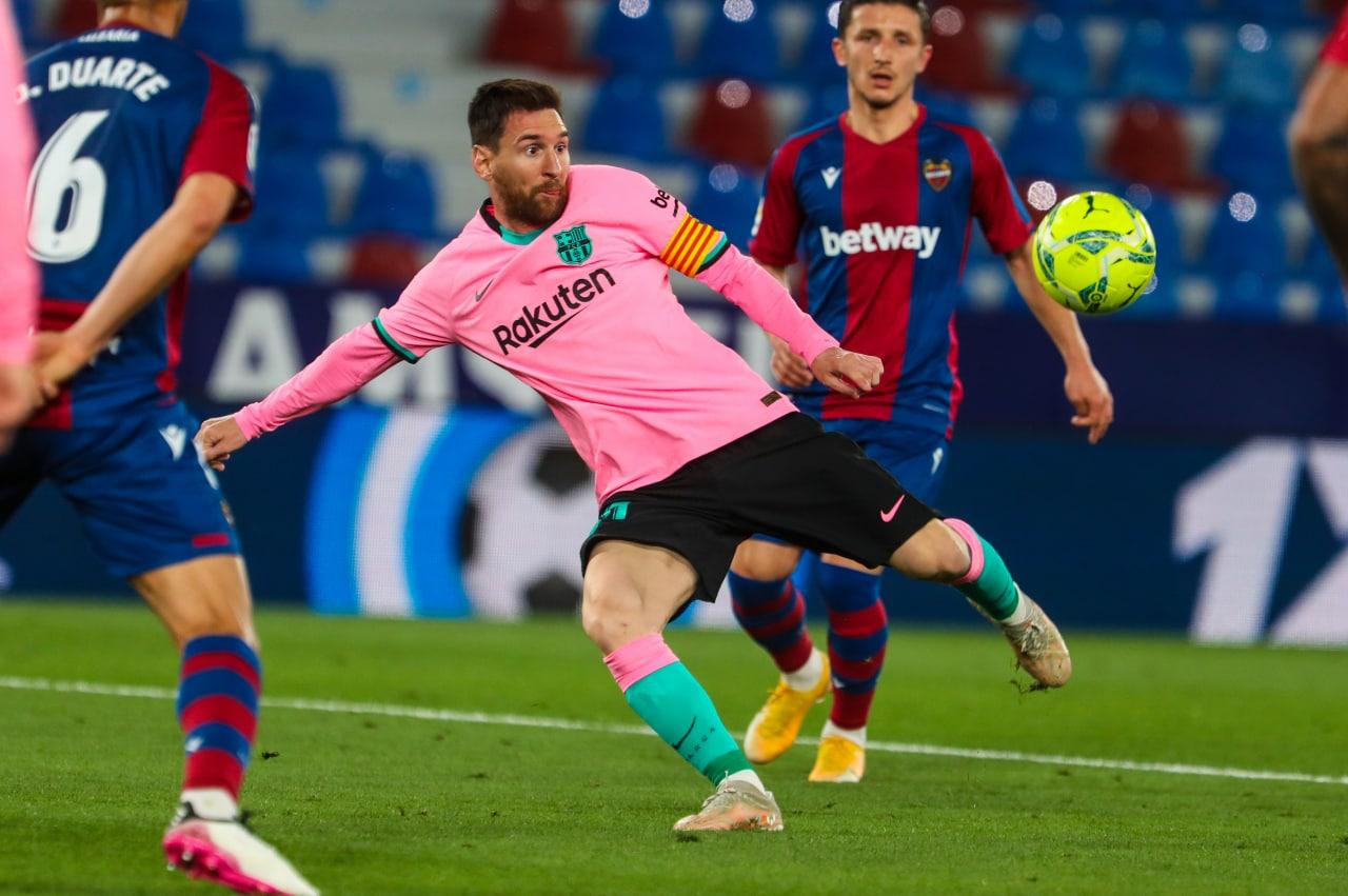 Hasil imbang 3-3 dengan Levante di babak 36 pada 11 Mei membuat Barca tidak lagi memiliki banyak harapan untuk bersaing memperebutkan gelar La Liga.  Foto: Twitter / FC Barcelona