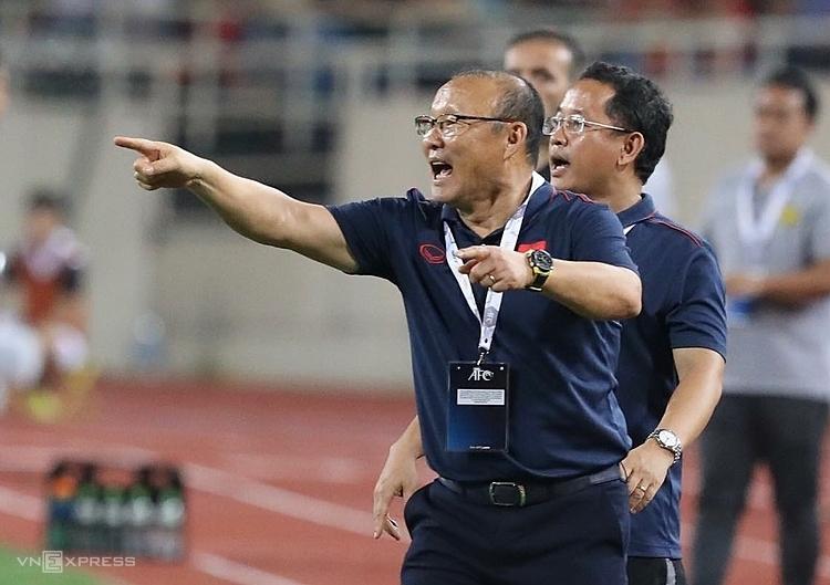 Pelatih Park berulang kali sukses memadamkan api pada personel tim.  Foto: Ngoc Thanh