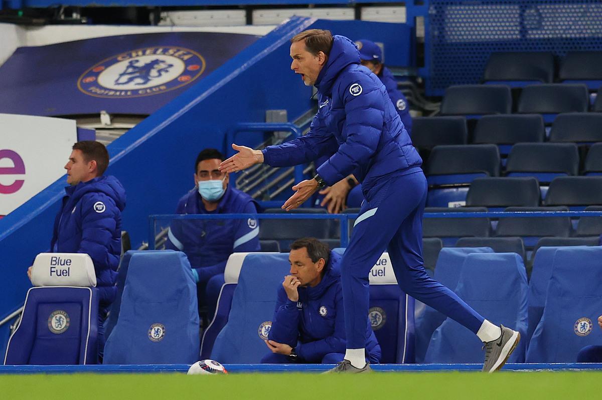 Pelatih Tuchel yakin keunggulan masih di tangan Chelsea, dan penting agar para pemainnya tidak takut untuk bersatu kembali dengan Leicester.  Foto: Reuters.