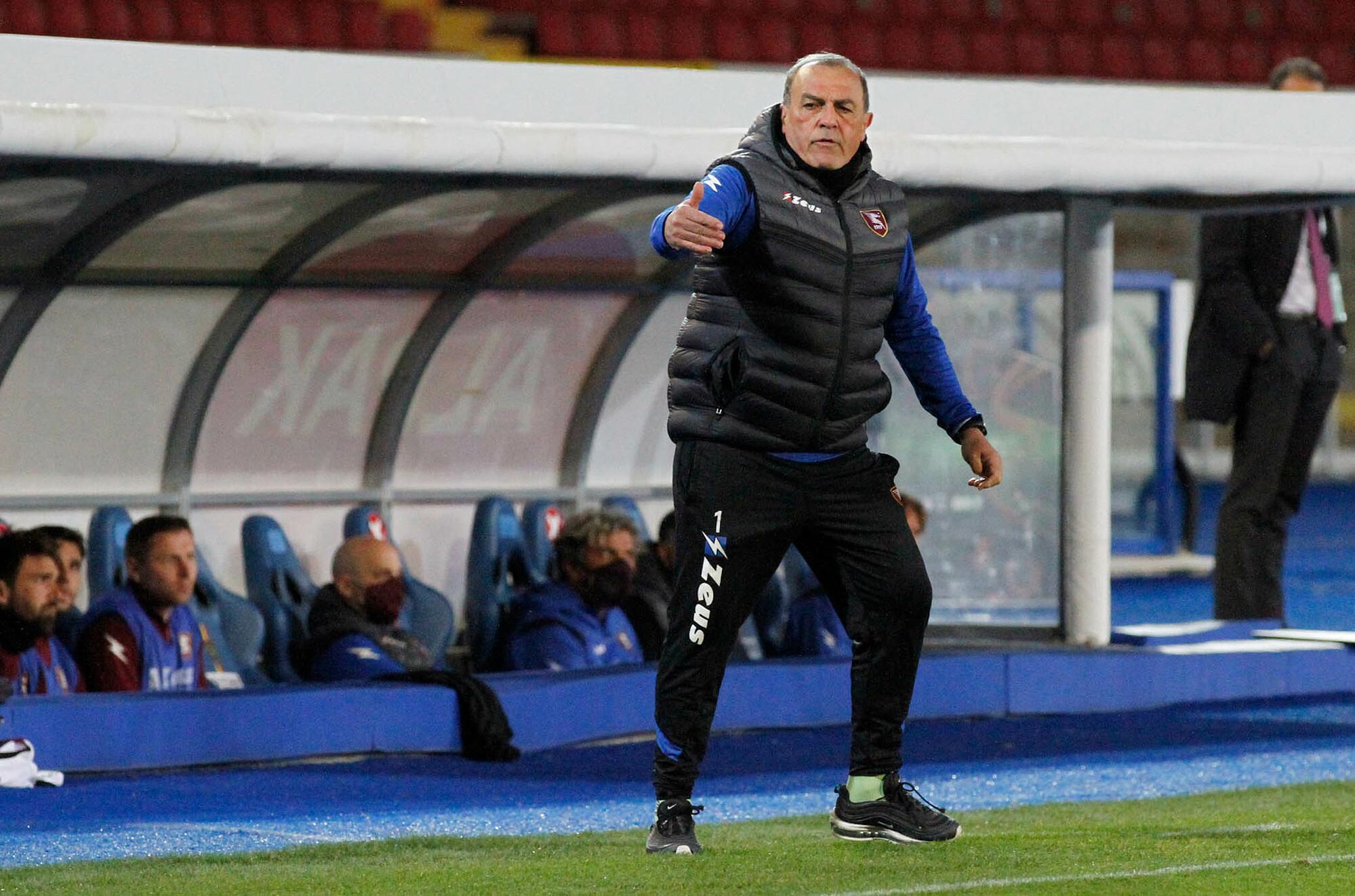 Castori dipandang sebagai inovator taktis di Serie B musim ini saat ia membantu Salernitana maju dengan sepak bola yang sederhana, namun langsung dan sangat efektif.  Foto: Lapresse