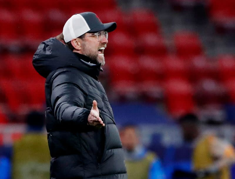 Klopp cho rằng chấn thương của ba hậu vệ trụ cột khiến Liverpool suy yếu đáng kể mùa này. Ảnh: Reuters