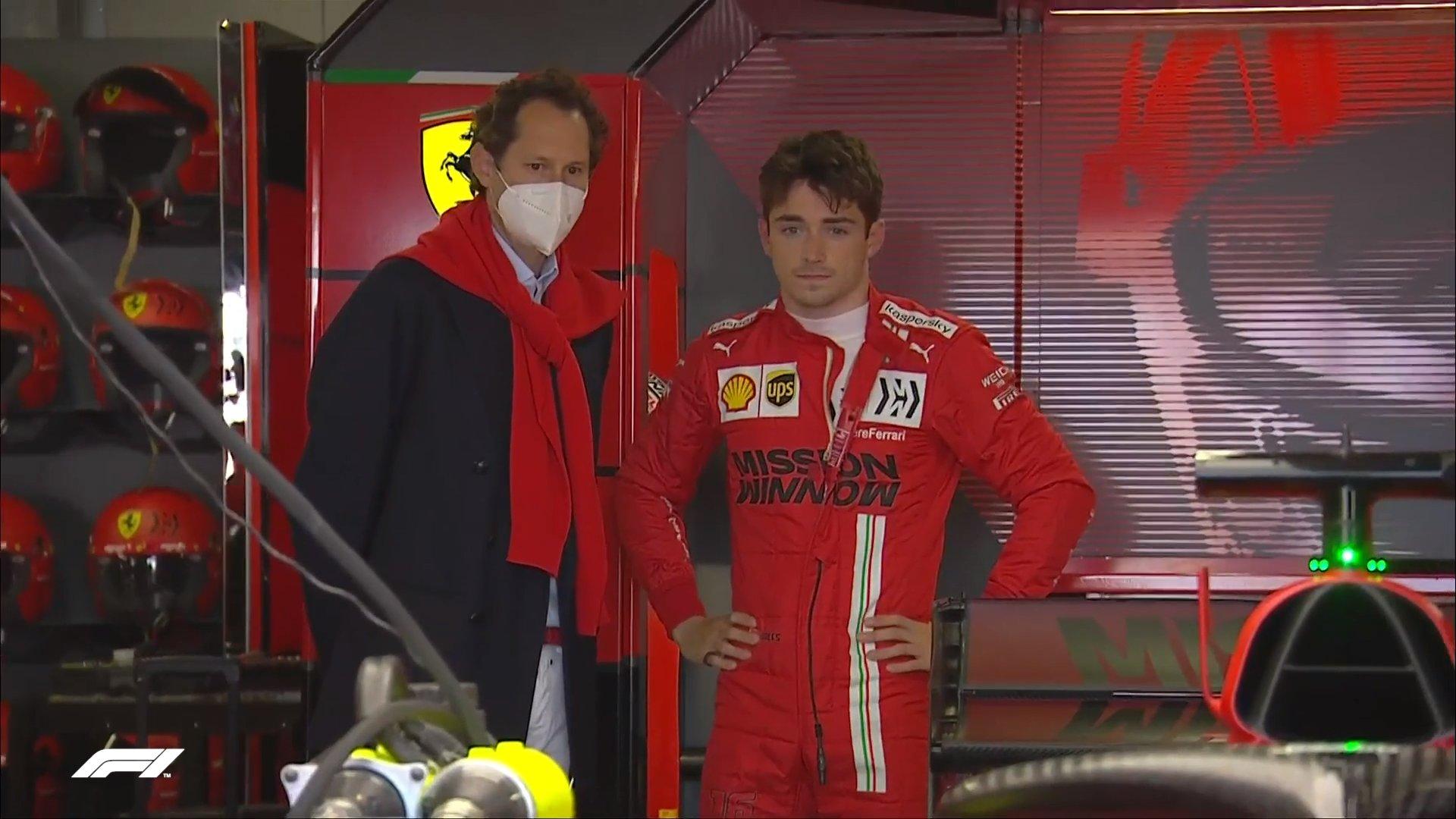 Gương mặt thất thần của Leclerc khi Ferrari kết luận chiếc SF21 của anh không thể tranh tài ở Monaco. Ảnh: F1