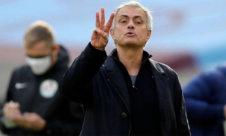 Mourinho vẫn tự tin vào chuyên môn của bản thân dù thành công lẩn tránh ông thời gian gần đây. Ảnh: Reuters.