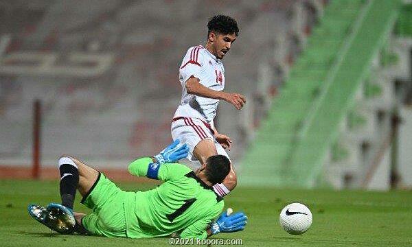 UAE (áo trắng) sẽ chơi bốn trận còn lại ở vòng loại thứ hai World Cup trước Malaysia, Thái Lan, Indonesia và Việt Nam. Ảnh: Kooora