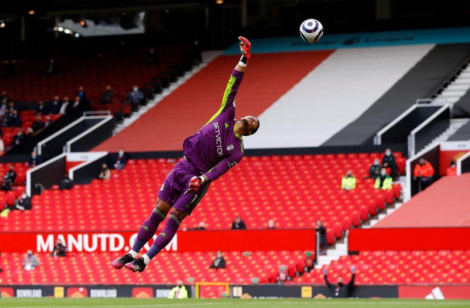 mengalahkan kiper Areola dalam pertandingan Man Utd pada 19 Mei.  Foto: PA