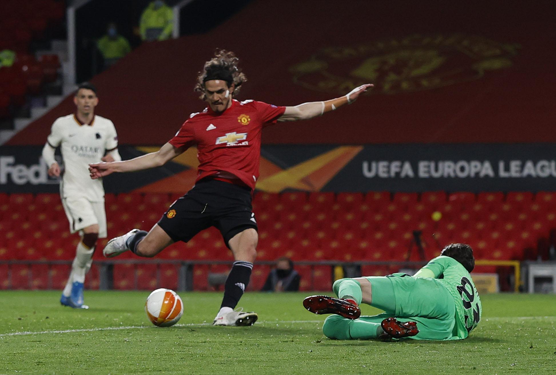 Cavani membawa temperamen dan keberanian seorang juara - sesuatu yang tidak dimiliki oleh banyak pemain muda Man Utd.  Foto: Reuters