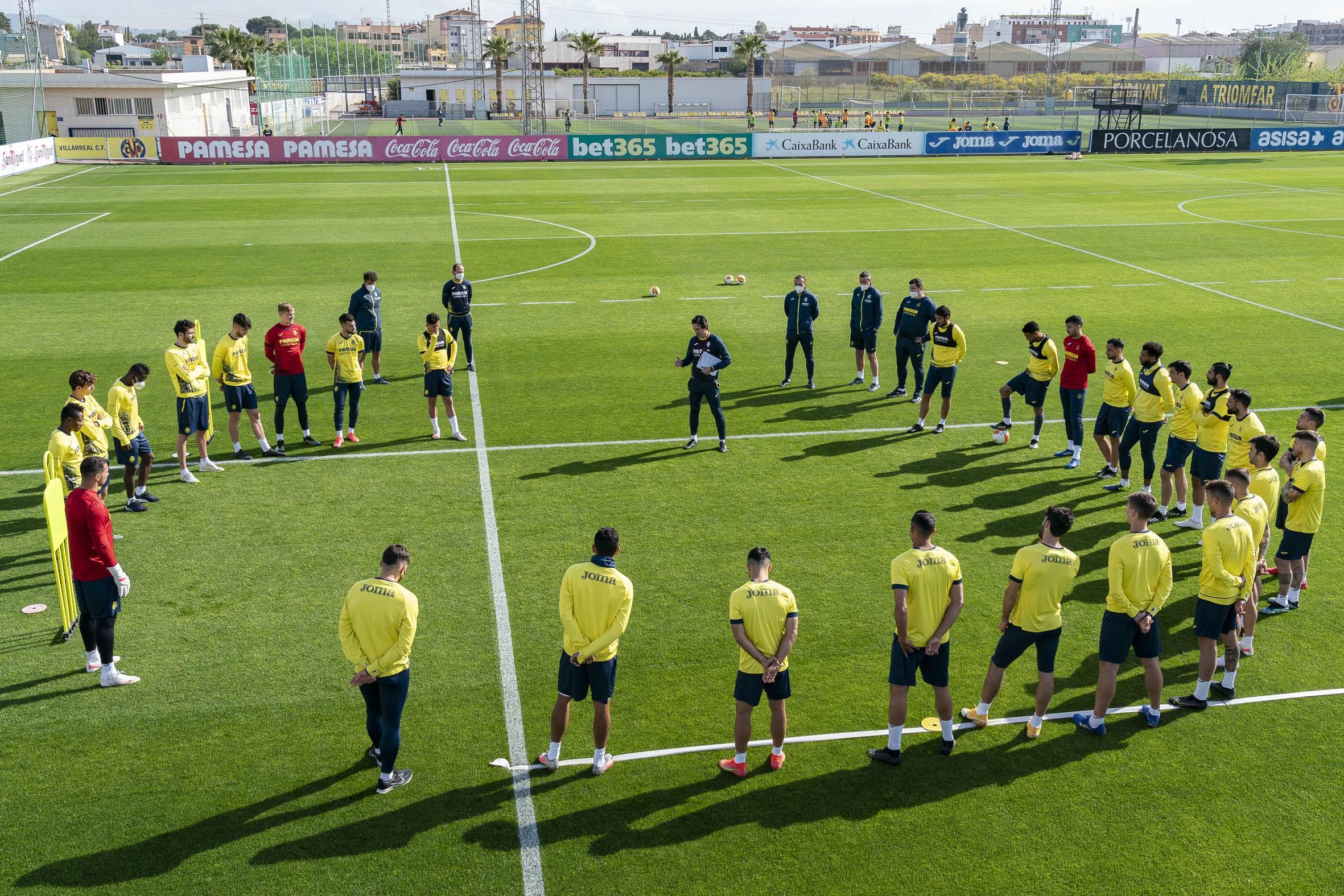 Emery melihat setiap hari di Villarreal sebagai kesempatan untuk belajar, mengasah keterampilan dan pengetahuan kepelatihannya.  Foto: Villarreal CF