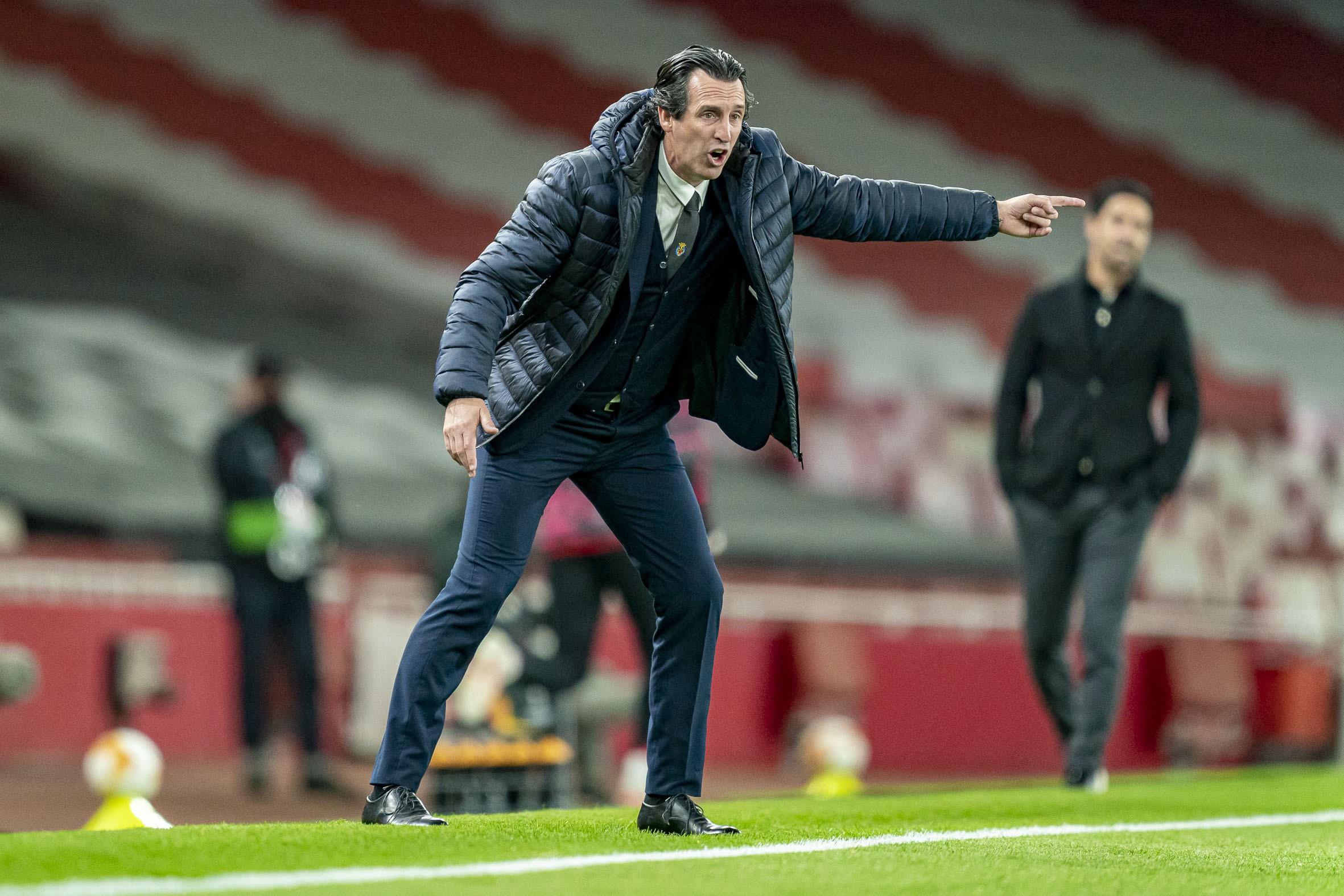 Bagi Emery, sepak bola tidak memiliki tempat untuk bermimpi, melainkan kristalisasi dari hasil kerja keras yang tiada henti.  Foto: Villarreal CF