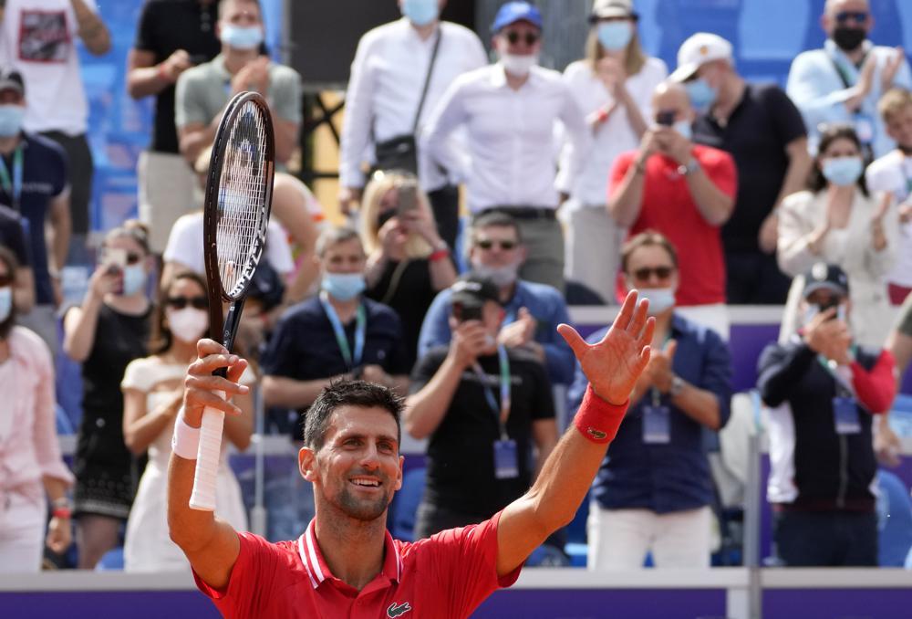 Djokovic lần đầu vô địch tại Serbia sau 10 năm. Ảnh: AP.