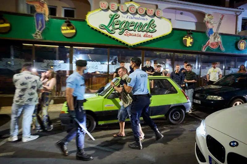 ตำรวจปอร์โตใช้กำลังปราบปรามแฟนบอลชาวอังกฤษในเย็นวันที่ 28 พ.ค.  ภาพ: Expresso
