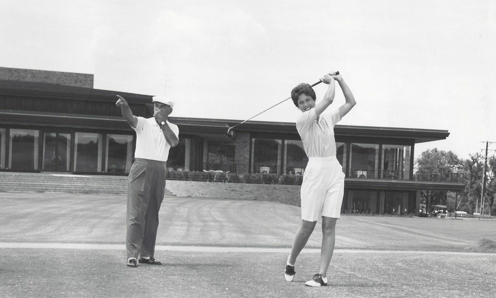Ben Hogan adalah pelatih pribadi Marty - putri Marvin Leonard.