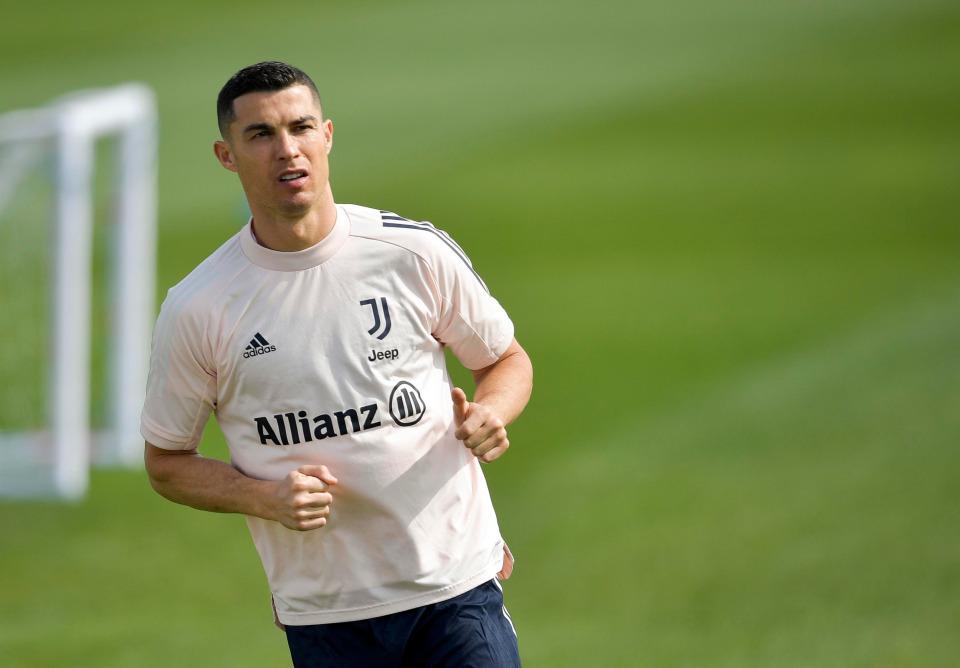 Ronaldo còn hợp đồng với Juventus tới tháng 6/2022. Ảnh: AS