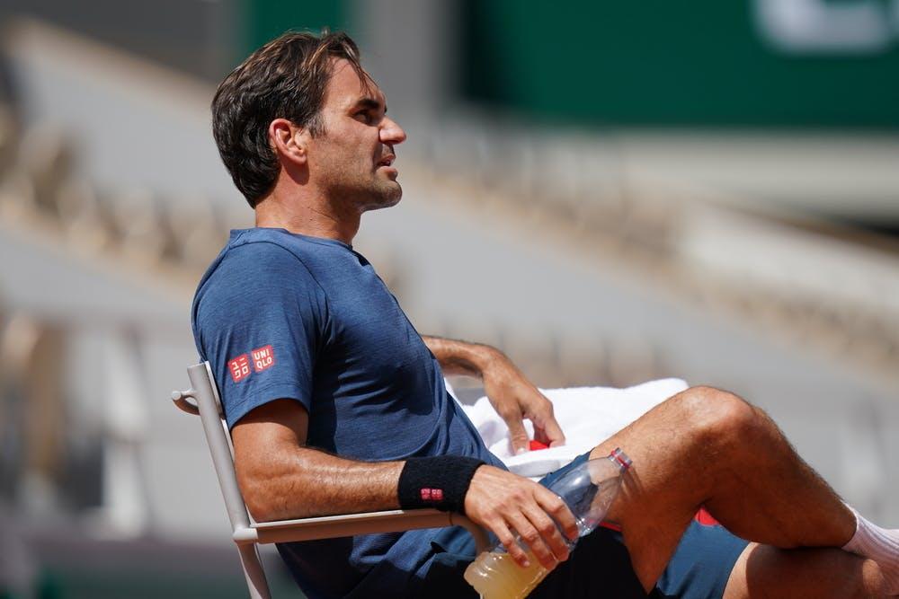 Federer tập luyện ở Roland Garros hôm 30/5. Sáu năm qua, anh chỉ hai lần dự giải. Ảnh: ATP