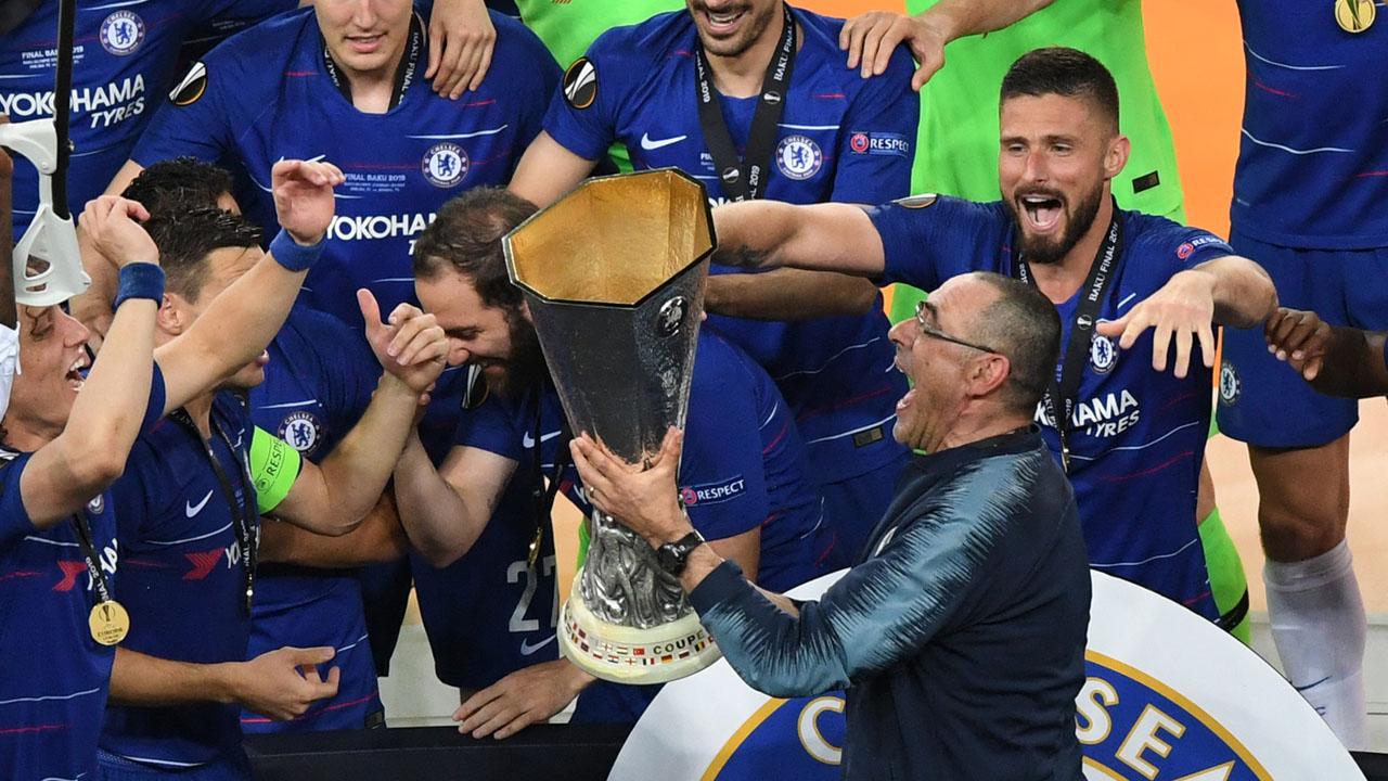 Sarri là HLV duy nhất ở Chelsea dưới thời Abramovich làm việc từ đầu đến cuối một mùa giải và đoạt Cup châu Âu. Ảnh: AFP