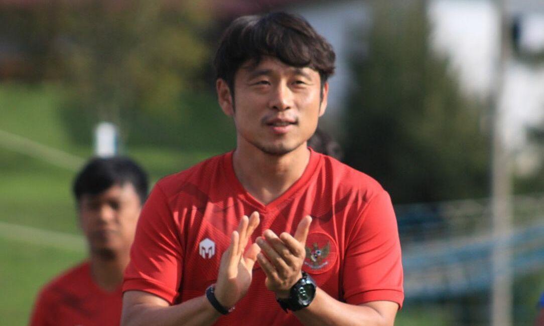 Lee được kỳ vọng nâng tầm thể lực của Indonesia cho ba trận còn lại ở vòng loại thứ hai World Cup 2022. Ảnh: SKOR
