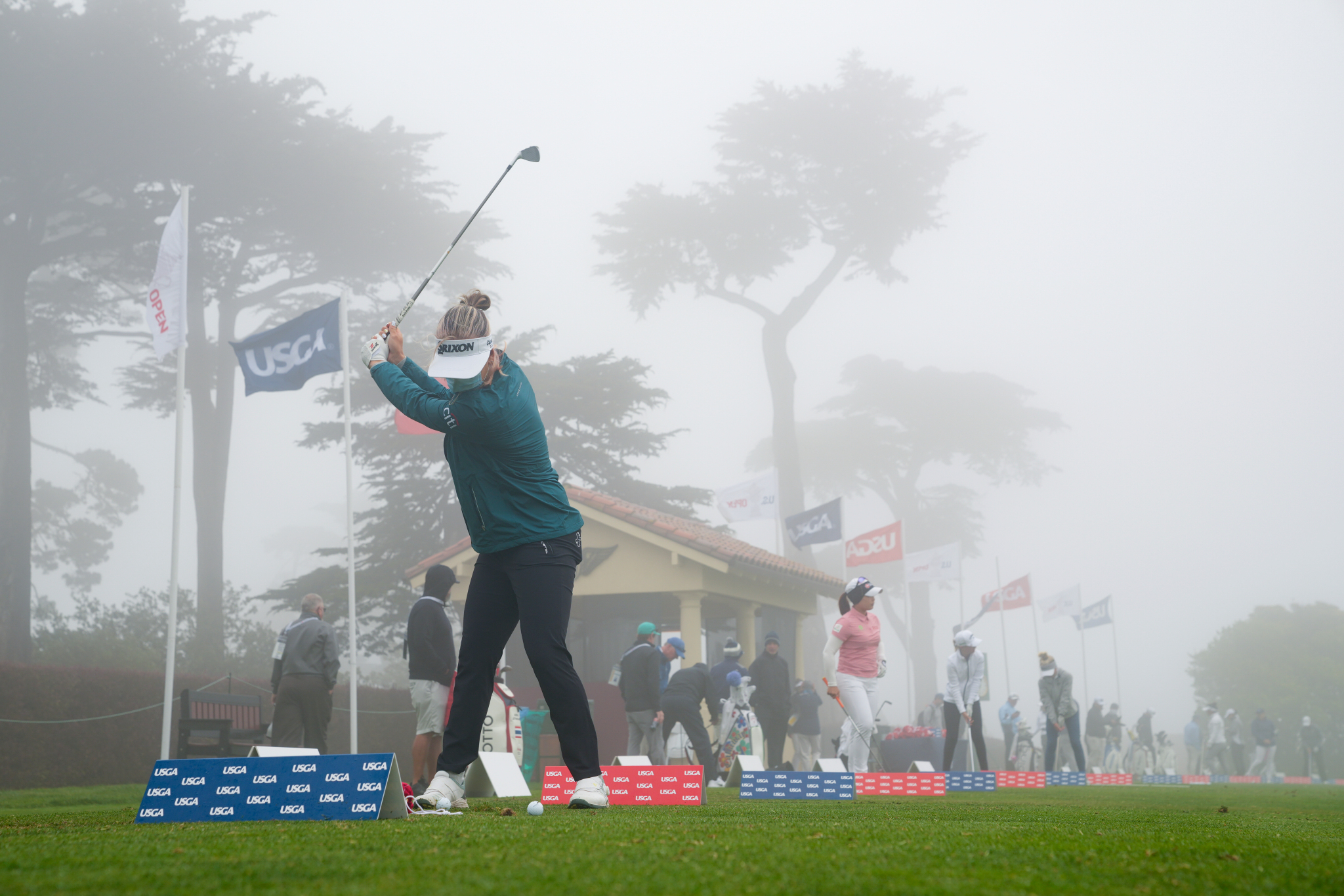 Fog covered the practice area of the US Women's Open golfers on June 1.  Photo: USGA