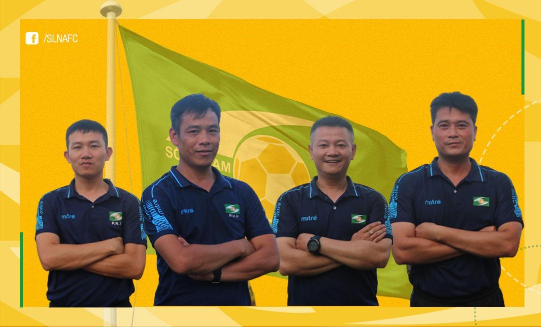 """พนักงานใหม่ของ SLNA Club จากซ้ายไปขวา Nhu Thuat, Huy Hoang, Van Quyen และ Bui Minh  ภาพถ่าย: """"SLNAFC"""""""