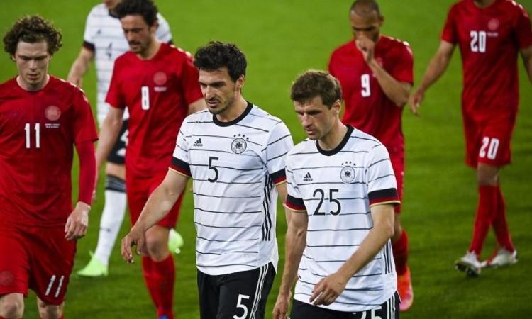 ฮุมเมิลส์และมุลเลอร์กลับมาร่วมทีมเยอรมันอีกครั้งหลังจากห่างหายไปกว่าสองปี  ภาพ: เอเอฟพี