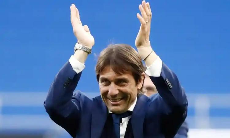 Conte bisa kembali ke Liga Inggris untuk memimpin Tottenham.  Foto: Reuters.