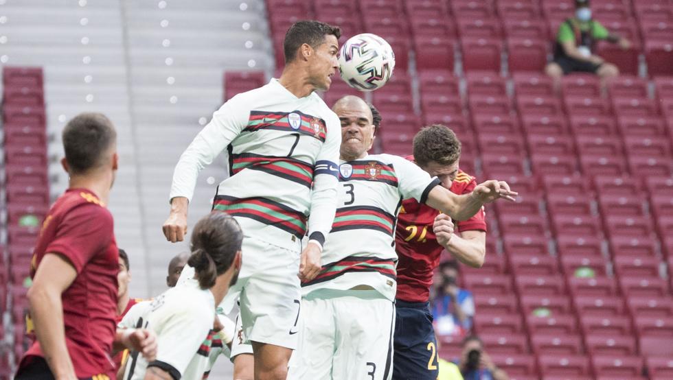 Ronaldo dalam sundulan di lapangan Wanda Metropolitano pada 4 Juni.  Foto: Mundo Deportivo
