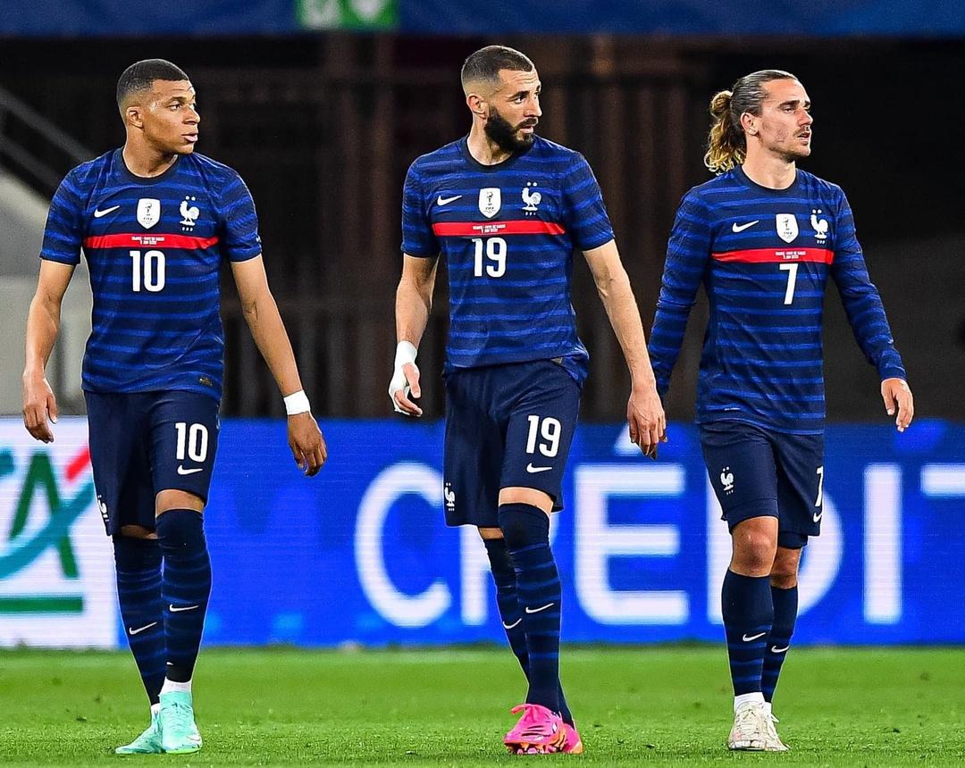 Serangan Prancis mengumpulkan Mbappe, Benzema, dan Griezmann.  Foto: Reuters.