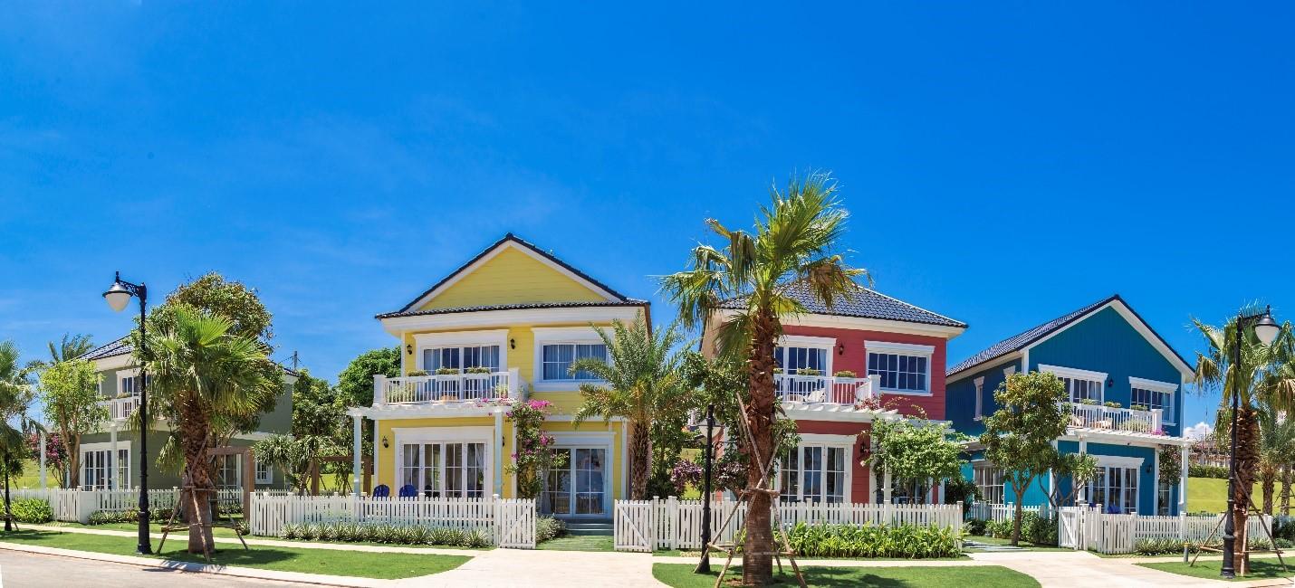Biệt thự biển phong cách Florida nhiều sắc màu tại NovaWorld Phan Thiet.