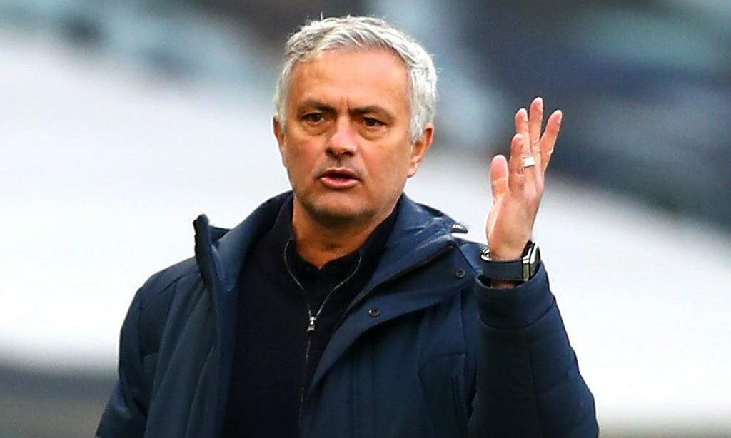 Mourinho phải rời Tottenham ngay trước trận chung kết. Ảnh: Reuters.