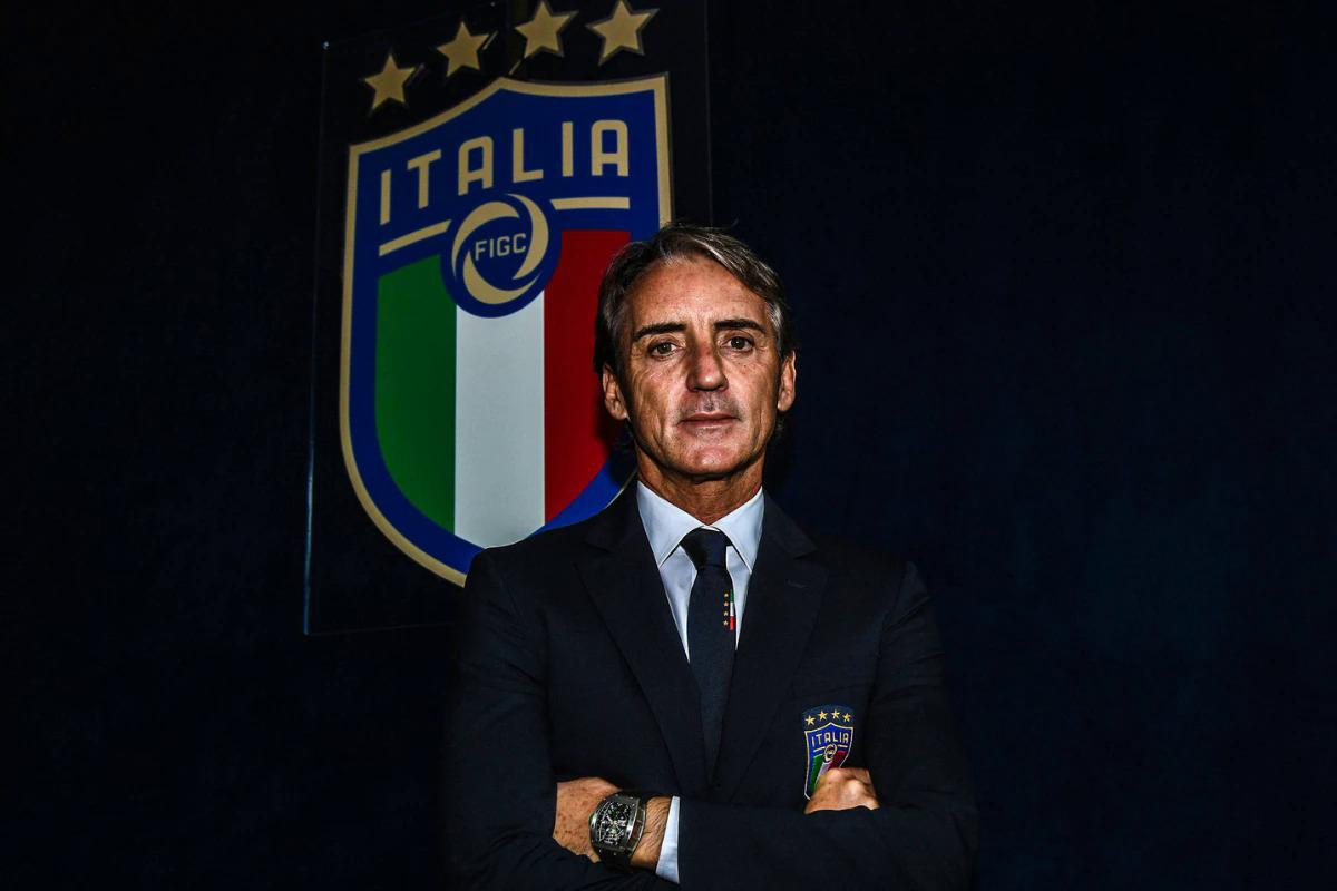 Dorongan muda Mancini dipandang sebagai beban berharga ketika ia mengambil alih tim nasional Italia dengan misi untuk menghidupkan kembali tim setelah bencana di kualifikasi Piala Dunia 2018. Foto: FIGC