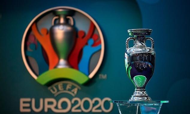 Euro 2020 sẽ được dời sang hè 2021. Ảnh: PA.