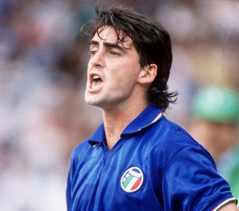 Sebagai salah satu nama besar persepakbolaan Italia pada masa kejayaan 1980-1990, namun Mancini hanya bermain 36 pertandingan, mencetak 4 gol babak untuk Italia.  Foto: Popperfoto