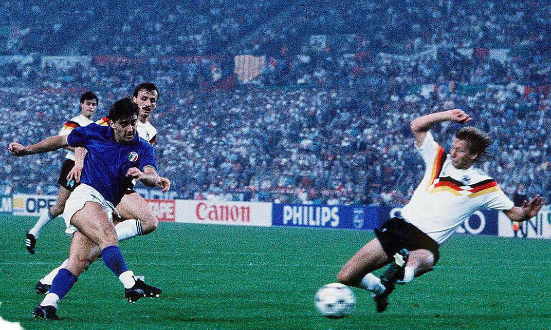 Gol pembuka hasil imbang 1-1 dengan Jerman di babak penyisihan grup Euro 1988 adalah satu-satunya momen bersinar Mancini bersama Italia di turnamen besar.  Foto: FIGC