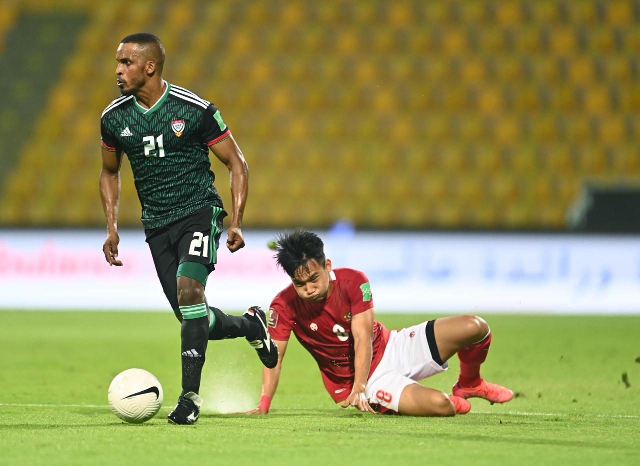 อินโดนีเซีย (แดง) ลงครึ่งหลัง  ภาพ: UAEFA