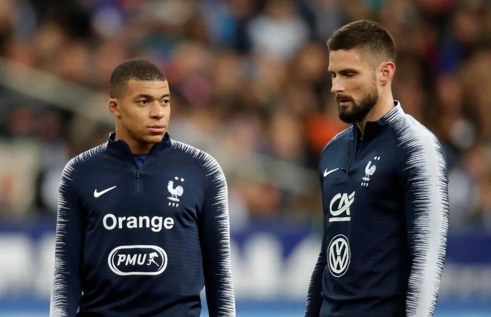 Mbappe có chút chạnh lòng vì lời bình của Giroud. Ảnh: Reuters.