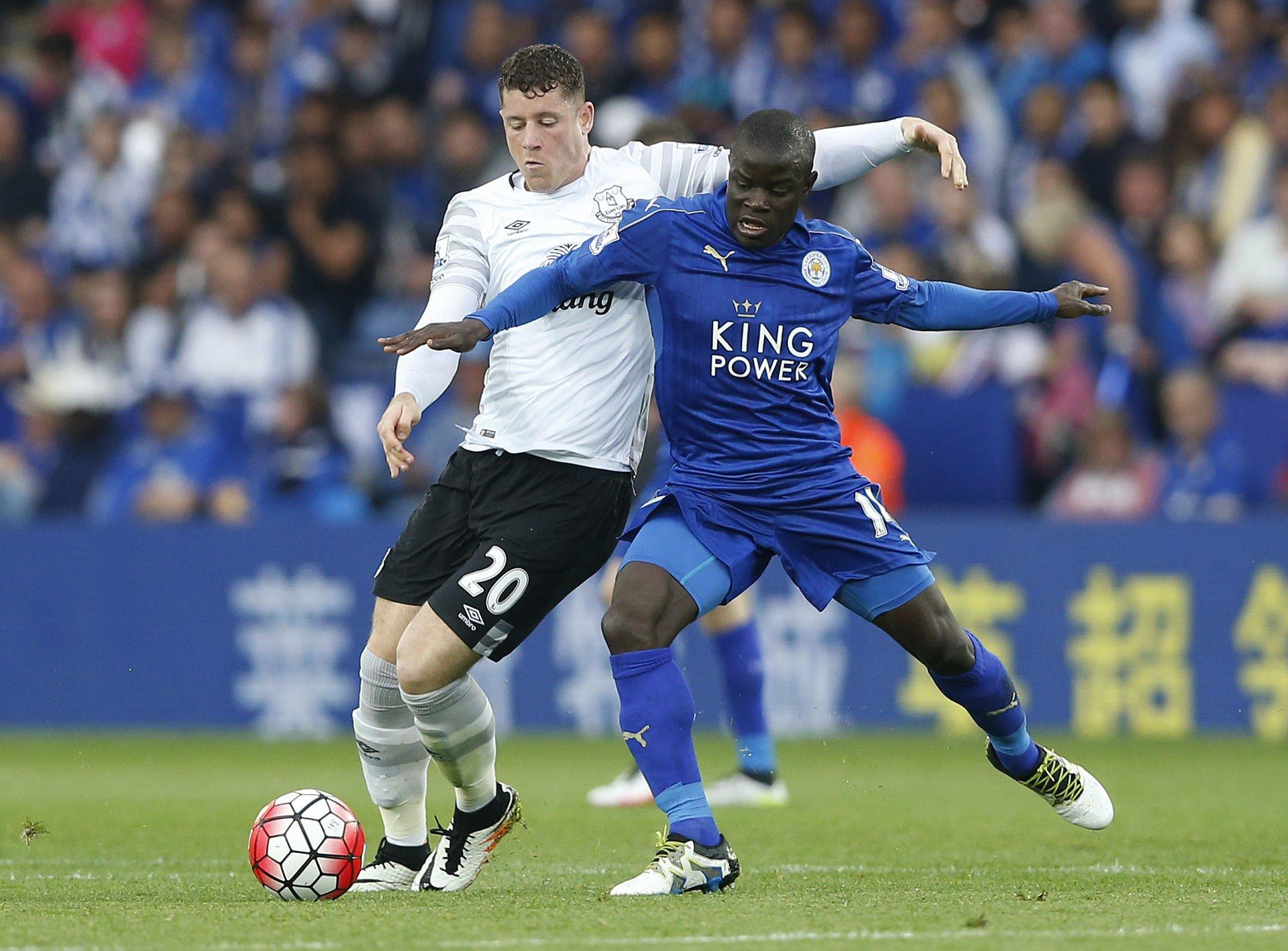 Memenangkan Liga Premier bersama Leicester City pada tahun 2016 membawa bakat Kante terungkap.  Foto: Reuters