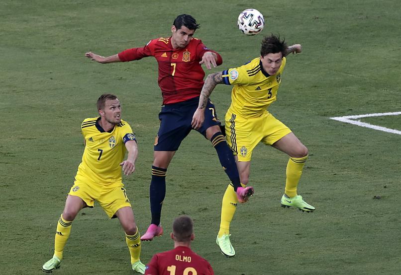 Morata giỏi không chiến, nhưng thiếu sự tinh tế khi dứt điểm.