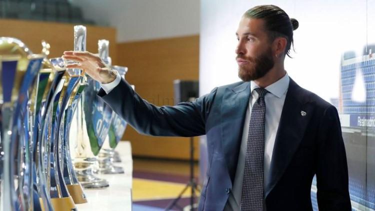 Ramos dengan koleksi gelar di Real.  Foto: AS.