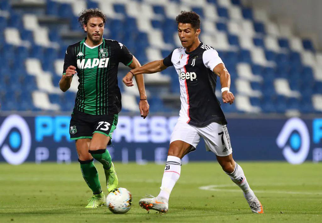 Lên tuyển từ bệ phóng Sassuolo khiến Locatelli không được đánh giá cao trong mắt giới chuyên môn bên ngoài Italy. Ảnh: La Presse