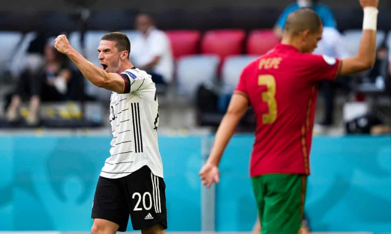 Robin Gosens là tuyển thủ Đức đầu tiên tham gia trực tiếp vào ba bàn thắng trong một trận ở VCK Euro, kể từ sau Bastian Schweinsteiger - cũng trong trận đấu Bồ Đào Nha năm 2008. Ảnh: EPA