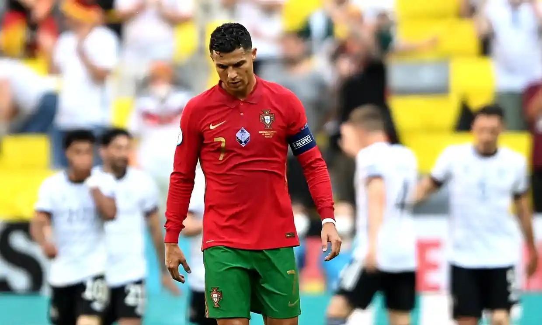 Ronaldo tiếp tục nếm trải thất bại khi đối đầu tuyển Đức. Ảnh: Reuters.