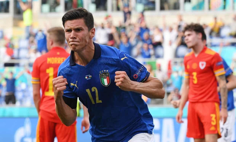 Pessina ทำแต้มในเกมที่สองของเขาสำหรับอิตาลี  ภาพ: Reuters