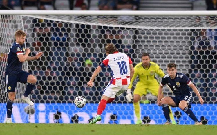 Ayunan panjang Modric membantu Kroasia mengubah skor menjadi 2-1.