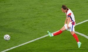 Siêu phẩm của Modric cứu Croatia