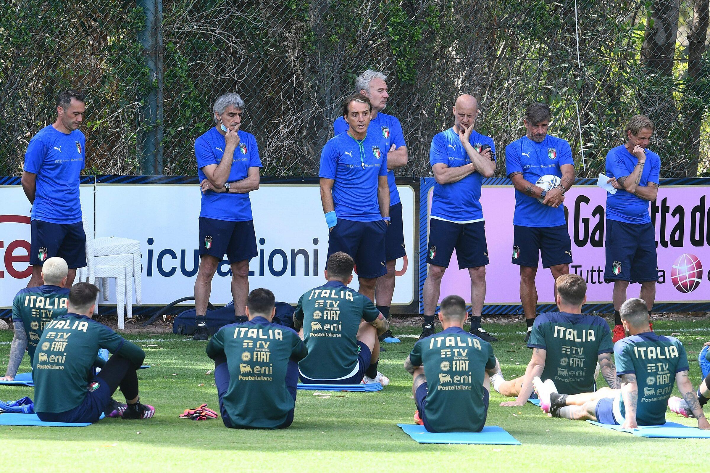 Mancini, bằng trải nghiệm từ thời còn thi đấu, đang làm tốt bài toán quản trị nhân sự của tuyển Italy tại Euro 2021. Ảnh: Lapresse