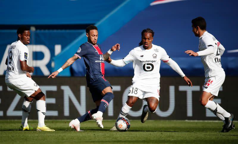 Sanches (số 18) đóng vai trò quan trọng giúp Lille vượt qua một PSG hùng mạnh để vô địch Ligue 1 mùa 2020-2021. Ảnh: Reuters