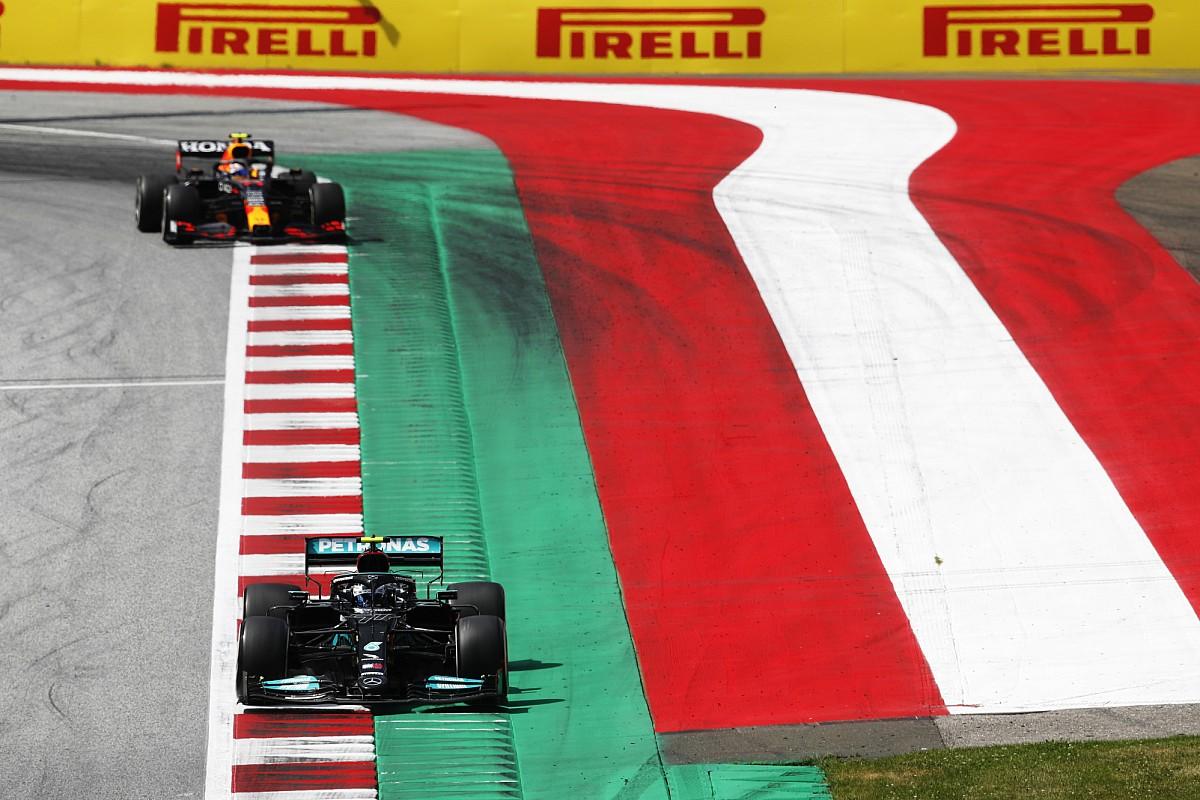 Chiến thắng của Red Bull thiếu trọn vẹn khi Perez không thể vượt Bottas để chiếm vị trí thứ ba trên podium. Ảnh: AP
