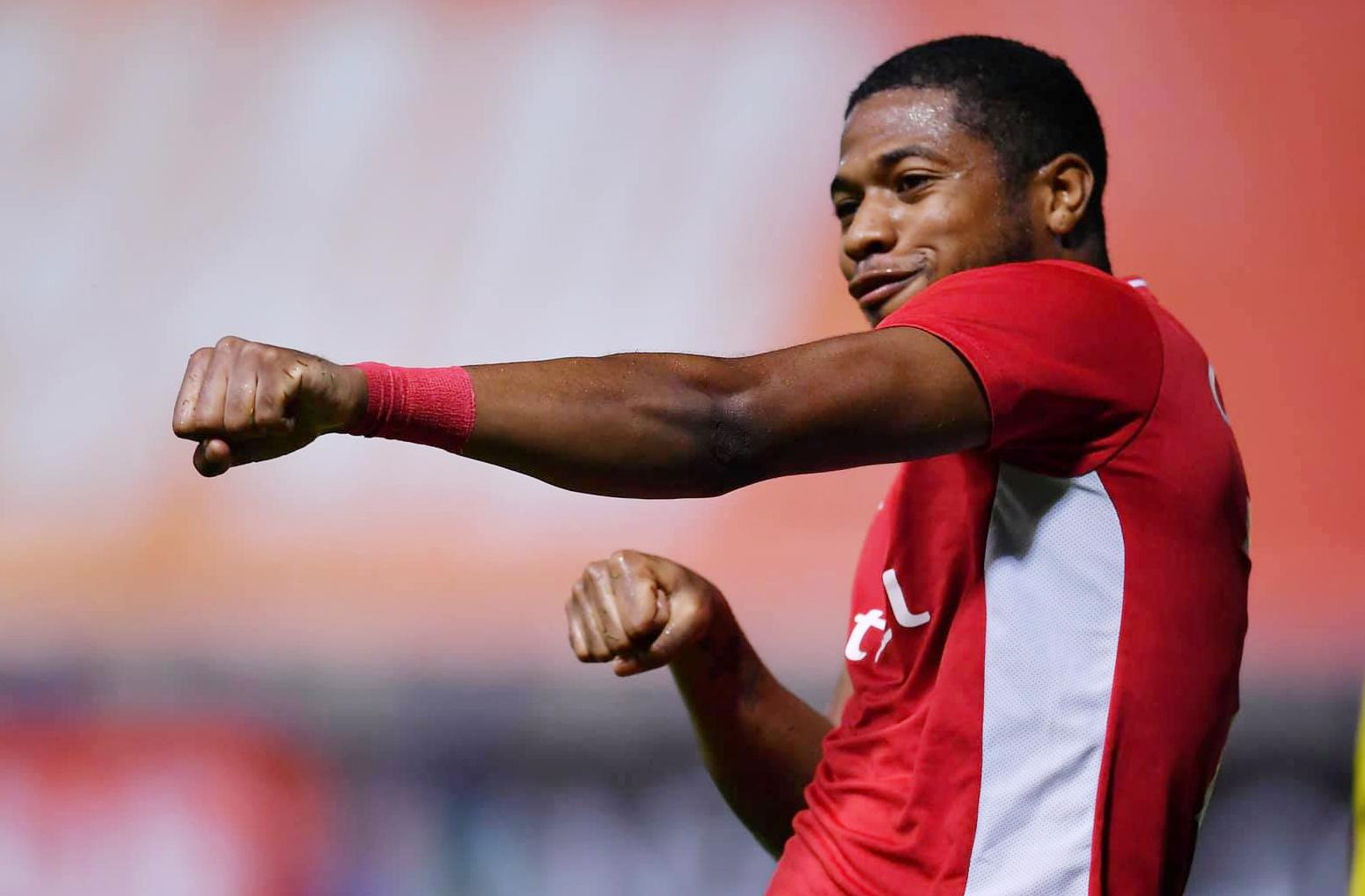Striker Caique mencetak dua gol dalam kemenangan berani Viettel.  Foto: Viettel FC.