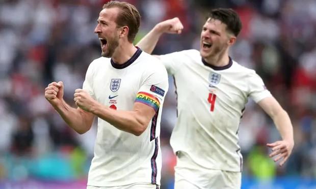 Bàn đầu tiên cho tuyển Anh tại Euro hứa hẹn giúp Kane giải tỏa áp lực. Ảnh: PA.