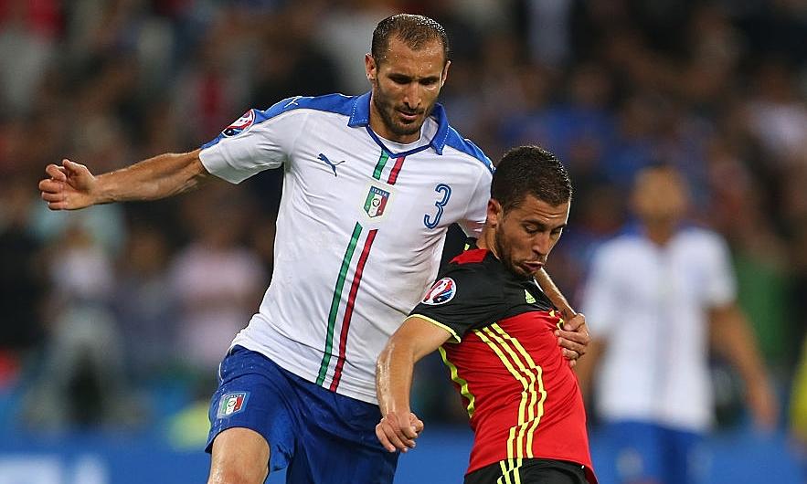 Chiellini (số 3) sẽ gặp lại tuyển Bỉ, đối thủ mà anh và tuyển Italy từng thắng 2-0 ở vòng bảng Euro 2016. Ảnh: AFP